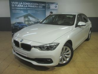 Coche BMW 318dA Essential Plus Edition