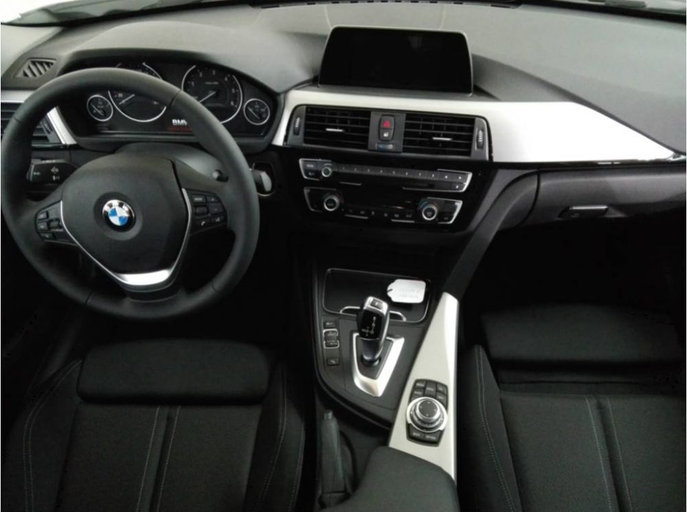 BMW 318dA Business Segunda Mano