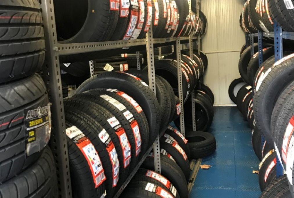 Amplio stock de neumáticos