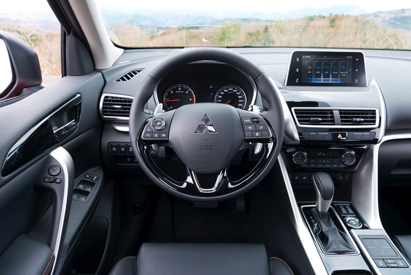 Interior Mitsubishi Eclipse Cross 2017