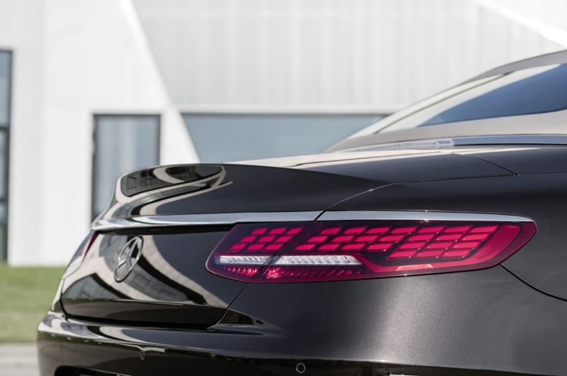 Mercedes S Cabrio OLED 2018