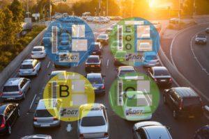 La DGT pone fecha a los cambios en las etiquetas medioambientales. Solo afectarán a los coches nuevos